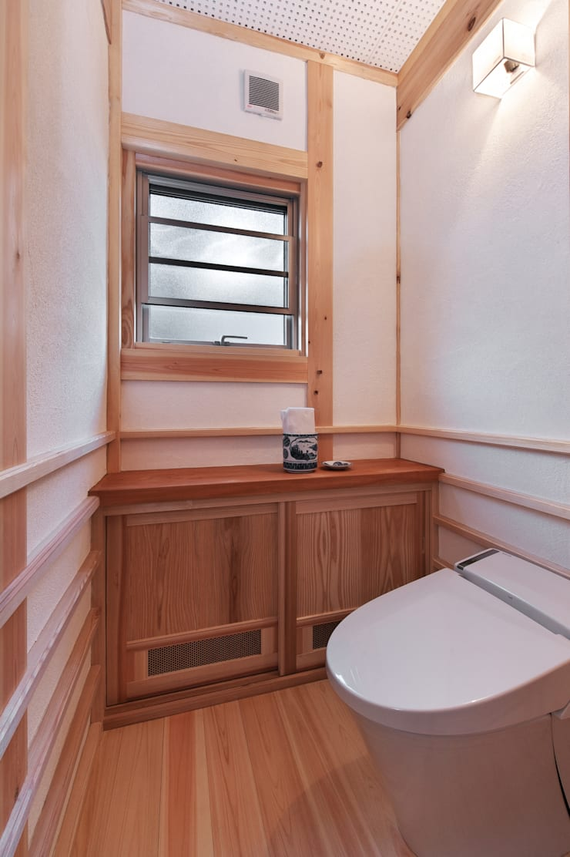 トイレ: SSD建築士事務所株式会社が手掛けた浴室です。