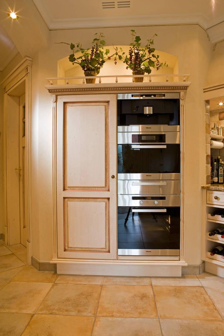 Cocinas de estilo  por Beinder Schreinerei & Wohndesign GmbH, Rural
