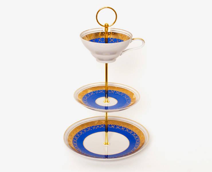 Lieselotte Etagere aus Vintage Sammeltasse blau-gold:  Esszimmer von Lieselotte