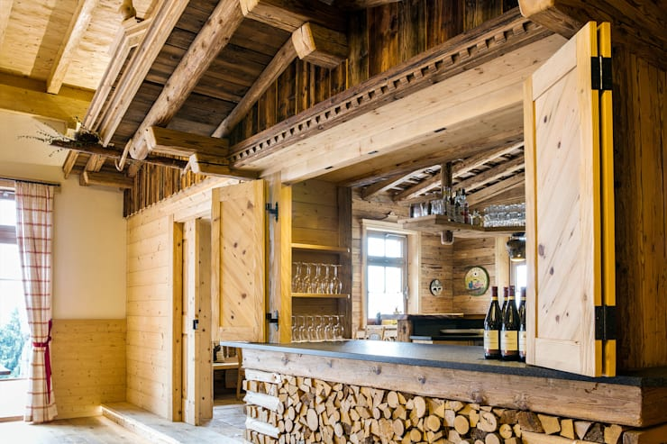 Rustic style dining room by Beinder Schreinerei & Wohndesign GmbH Rustic