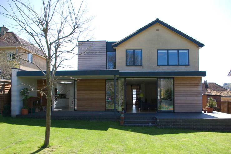 Calderwood:  Houses by Designscape Architects Ltd