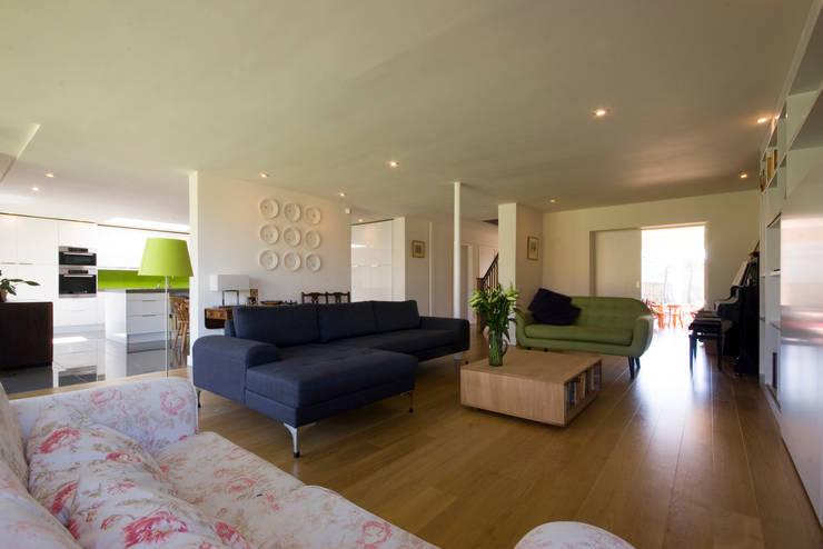 Projekty,  Salon zaprojektowane przez Designscape Architects Ltd