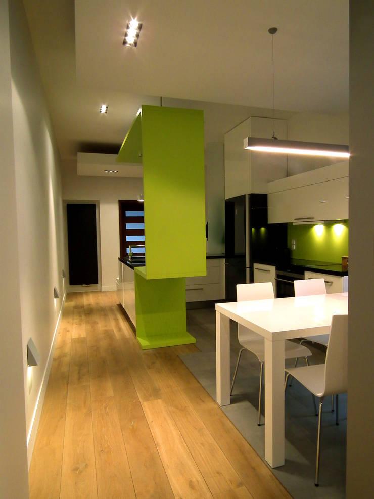 Mieszkanie Katowice: styl , w kategorii Jadalnia zaprojektowany przez LMarchitekt,