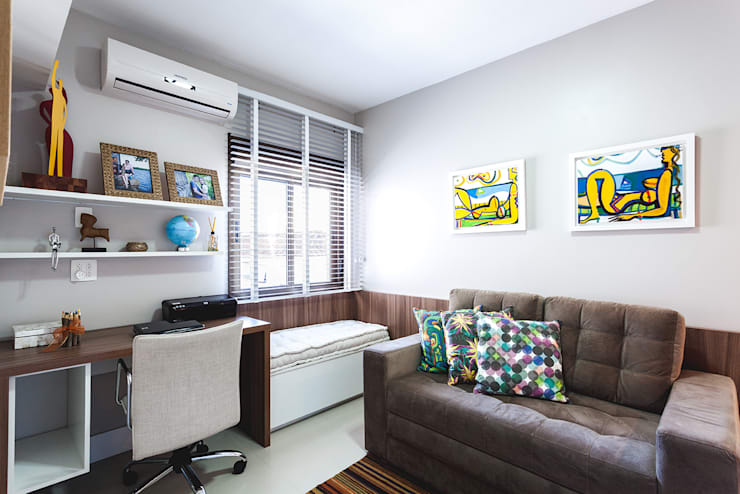 Apartamento Menino Deus: Escritórios  por Arquiteto Gustavo Redlich & Associados
