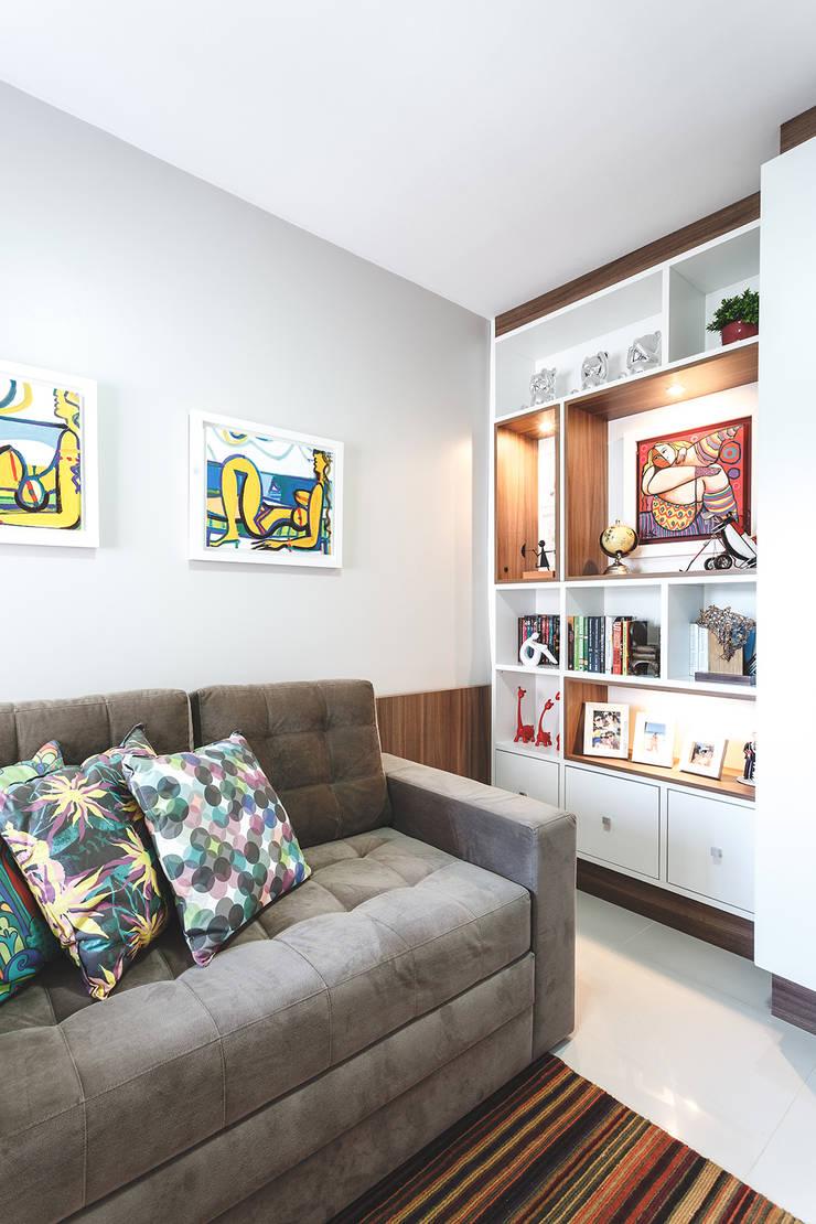 Study/office by Arquiteto Gustavo Redlich & Associados, Modern
