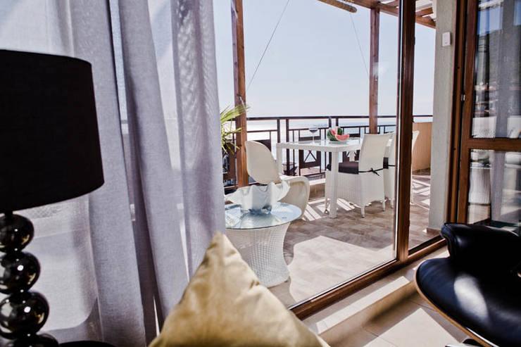 Апартаменты в Болгарии в комплексе <q>Сирена</q>: Балкон, веранда и терраса в . Автор – Студия Татьяны Гребневой