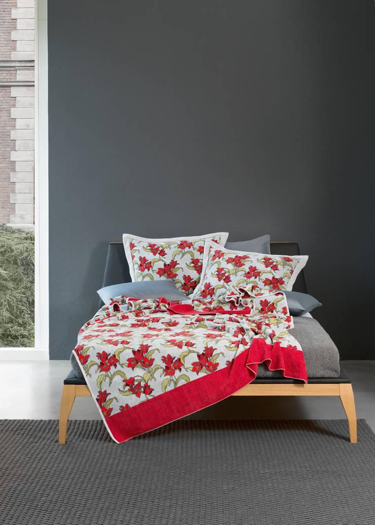 TIFFANY - florale Inspirationen von FEILER:  Schlafzimmer von FEILER,
