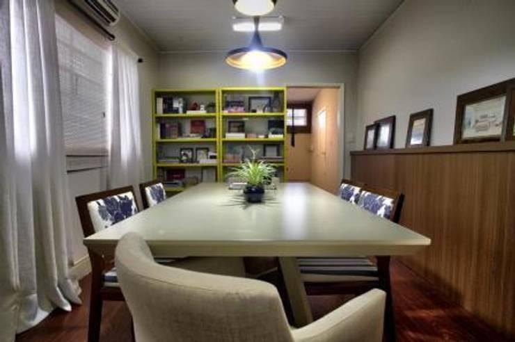 Sala de Reunião Lojas & Imóveis comerciais rústicos por DUET ARQUITETURA Rústico