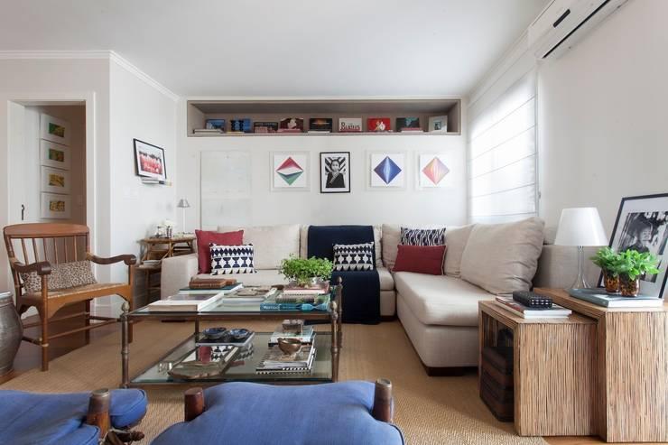 Sala de Estar: Salas de estar  por Pereira Reade Interiores,Eclético