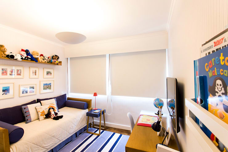 Nursery/kid's room by Pereira Reade Interiores