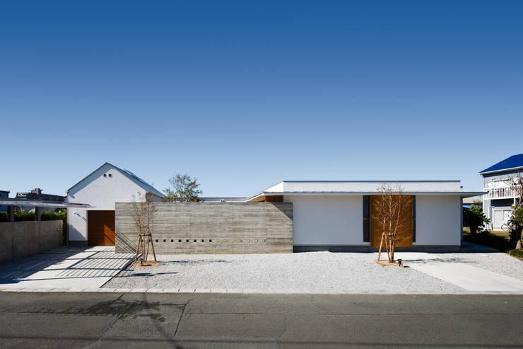 Rumah by 窪江建築設計事務所
