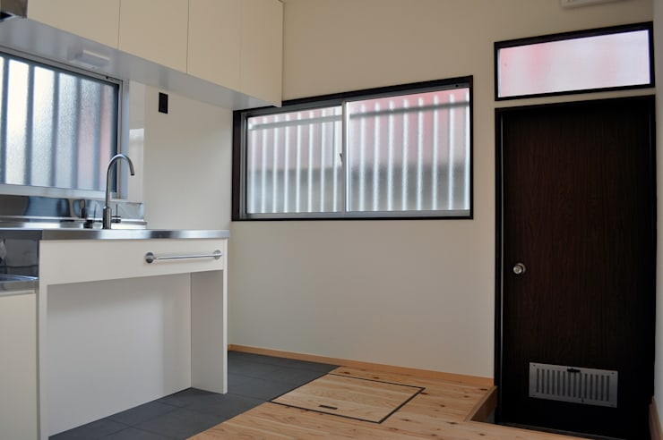 井の頭の家2: 結人建築設計事務所が手掛けたキッチンです。