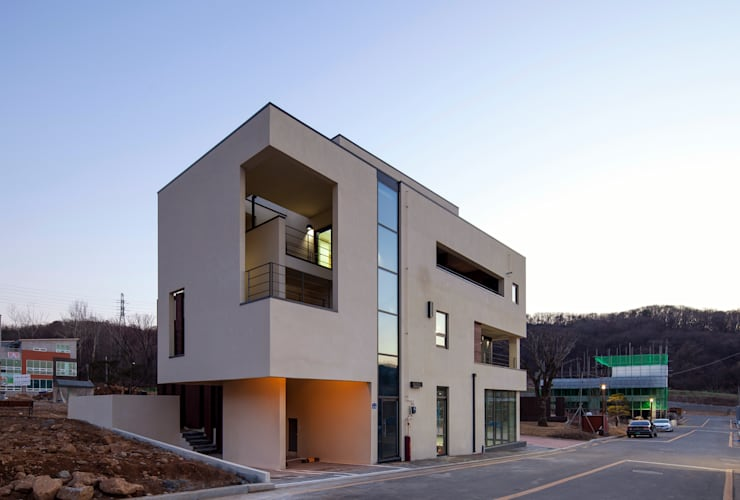 SONGCHU MAPLE HOUSE : IDEA5   ARCHITECTS의  주택