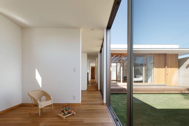 窪江建築設計事務所의  아이방