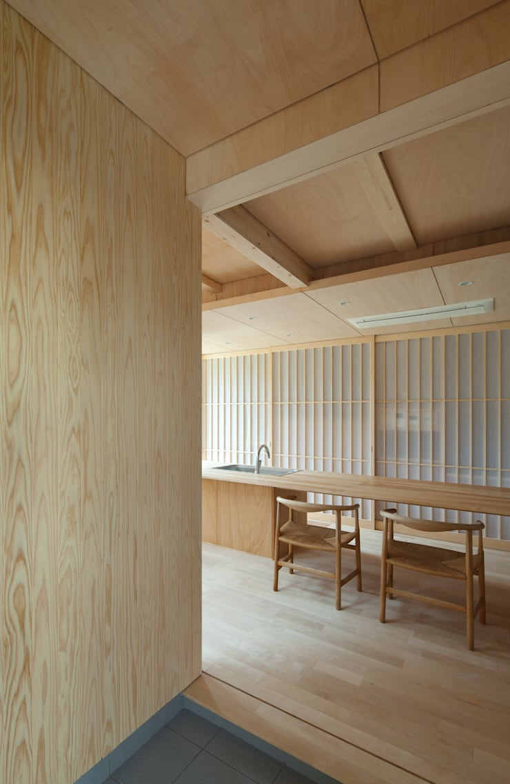 House in  Nanakuma: MOVEDESIGNが手掛けたキッチンです。,