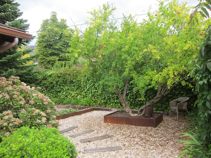 Jardins rústicos por IGLESIAS JARDINERÍA Y PAISAJE