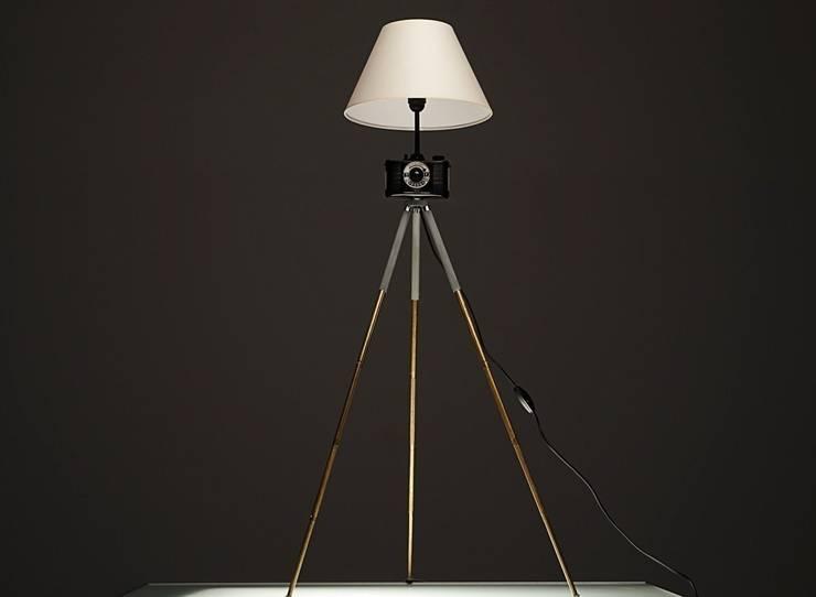 FotoLampa DRUH FLOOR: styl , w kategorii Salon zaprojektowany przez RefreszDizajn,