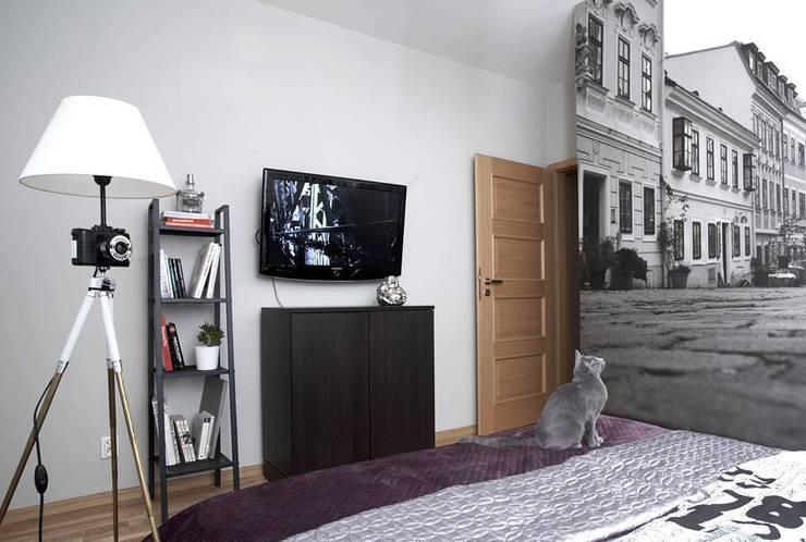 FotoLampa DRUH FLOOR: styl , w kategorii Sypialnia zaprojektowany przez RefreszDizajn,