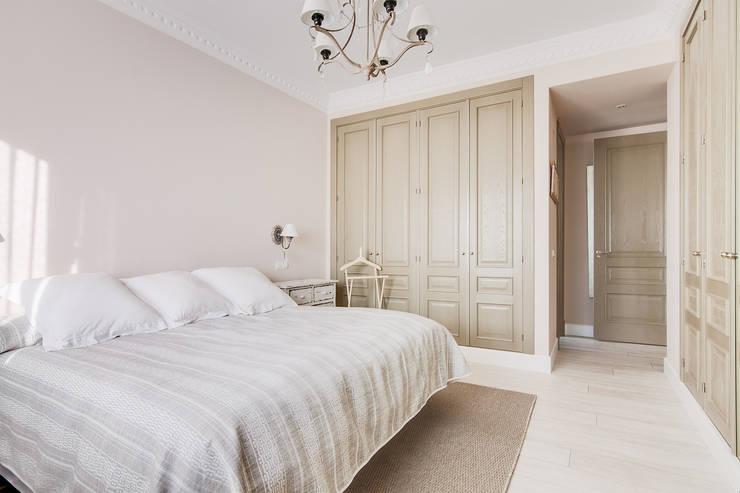 Otra vista del dormitorio principal:  de estilo  de DISEÑO Y ARQUITECTURA INTERIOR