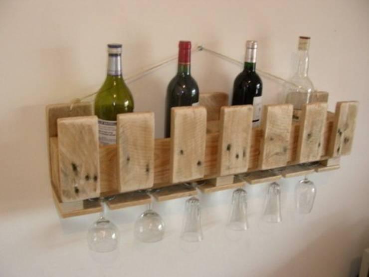 rangements en bois de récupération !: Salon de style  par Bois flotté de Gibus