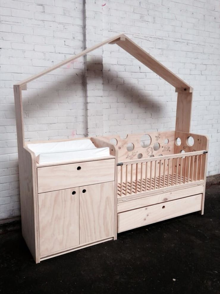 Babybedje + commode:  Kinderkamer door OneSevenTree