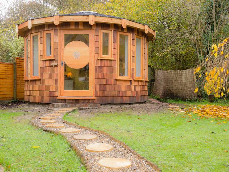 4.5m diameter Roundhouse :  Garden by gemma5