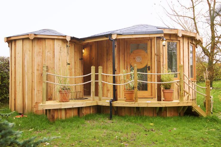 4.5m Meditation space and 2m bathroom 'pod':  Garden by gemma5