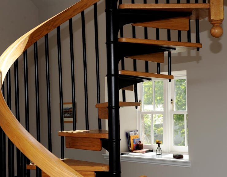 Old School House, Glen Dye, Banchory, Aberdeenshire:  Corridor, hallway & stairs by Roundhouse Architecture Ltd