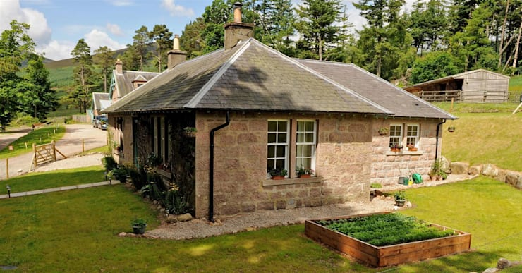 Laundry Cottage, Glen Dye, Banchory, Aberdeenshire:  Houses by Roundhouse Architecture Ltd