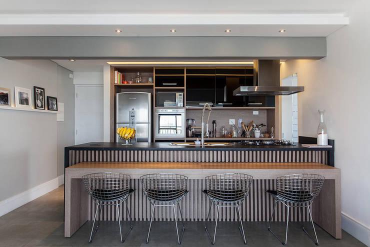 Projeto Saúde: Cozinhas  por Melina Romano Arquitetura de Interiores,