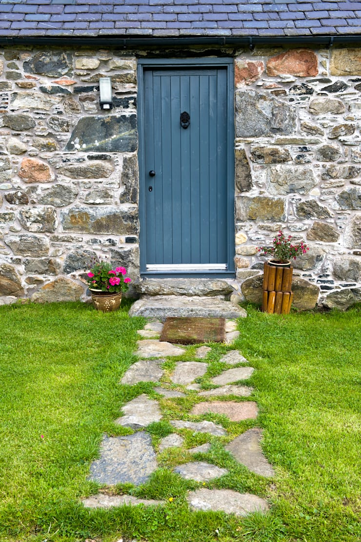 Colmeallie, Glen Esk, Brechin, Angus:  Windows & doors  by Roundhouse Architecture Ltd