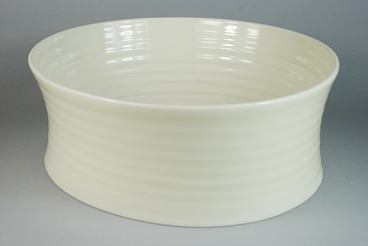 Eccentric Bowl, porcelain, 34cm:  Dining room by Andrew Temple Smith Ceramics