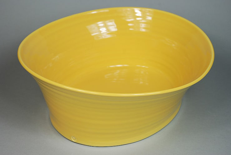 Eccentric Bowl, porcelain, 24cm:  Dining room by Andrew Temple Smith Ceramics