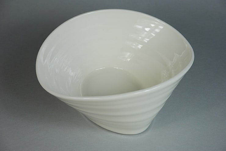 Eccentric Bowl, porcelain, 18cm:  Dining room by Andrew Temple Smith Ceramics