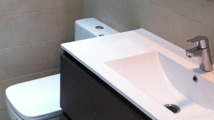 El Después (Baño):  de estilo  de Escudero Disseny, S.L.U.