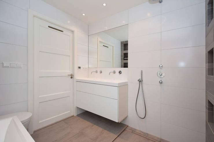 Vergunningsvrije uitbouw Bussum:  Badkamer door Het Ontwerphuis