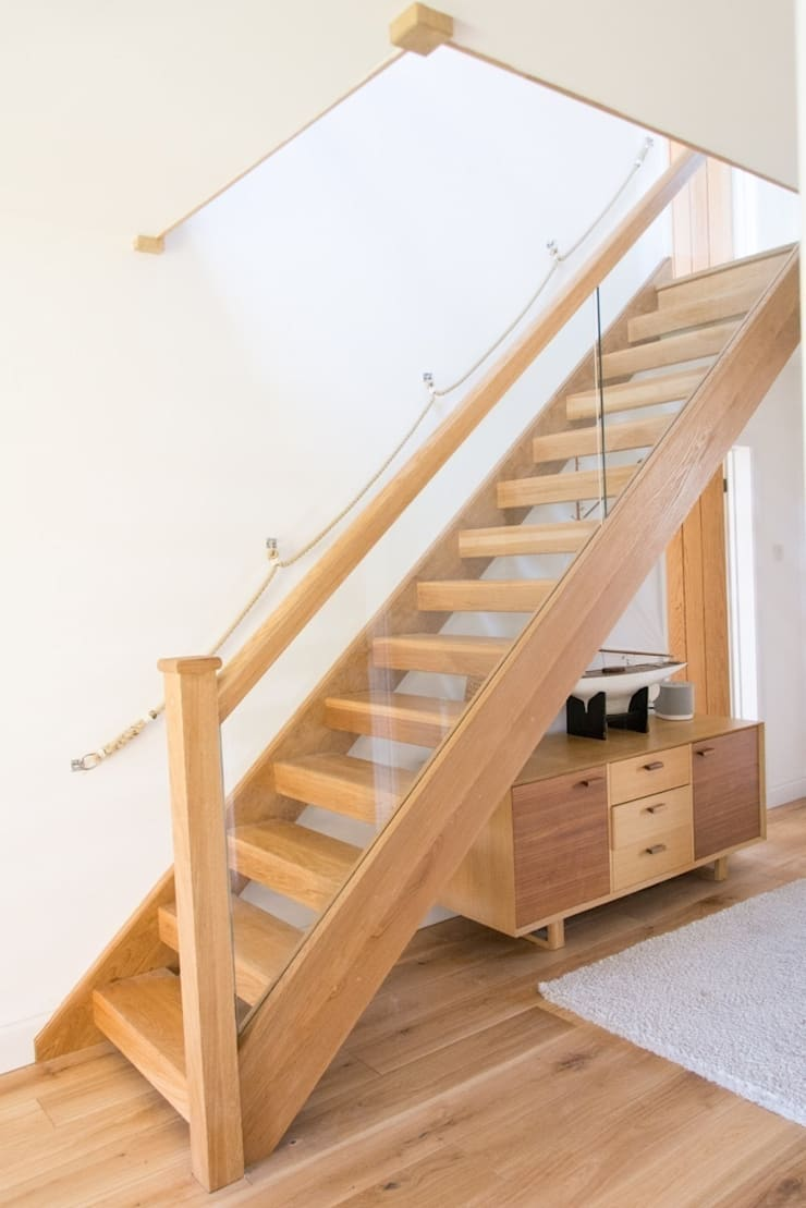 Oak open plan staircase with glass balustrade by stairbox for Homify case