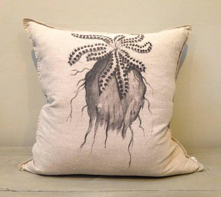 Caterpillar Euphorbia Cushion:  Living room by Porcupine Rocks Ltd