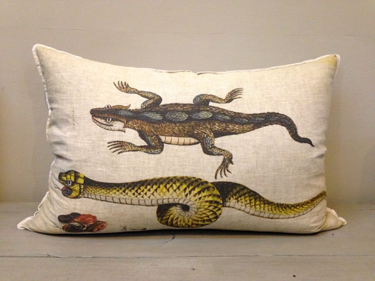 Snake Cushion:  Living room by Porcupine Rocks Ltd