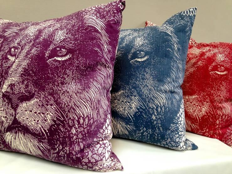 Livings de estilo  por Porcupine Rocks Ltd