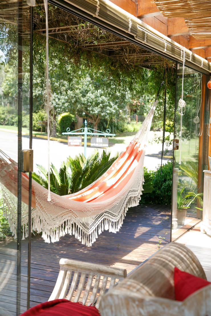 Prepara la casa para el Verano con Brasilchic: Balcones y terrazas de estilo  de Brasilchic