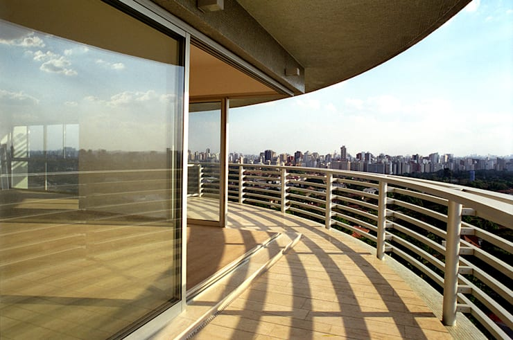 Edifício Ducale | Residencial – Rua Peixoto Gomide: Terraços  por ARQdonini Arquitetos Associados,Moderno