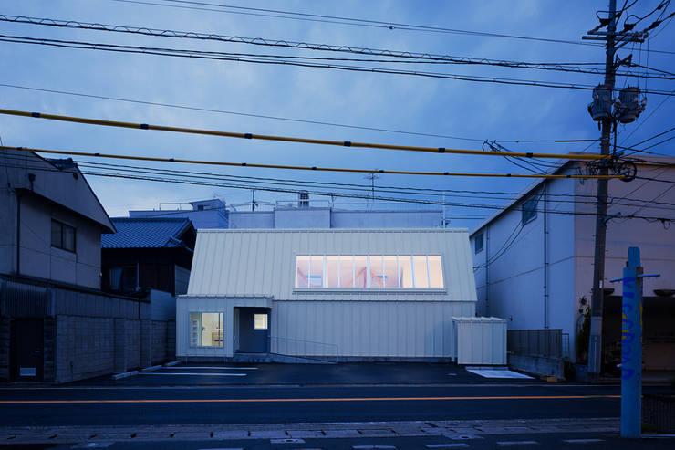 Clínicas / Consultorios Médicos de estilo  por OISHI Masayuki & Associates, Ecléctico
