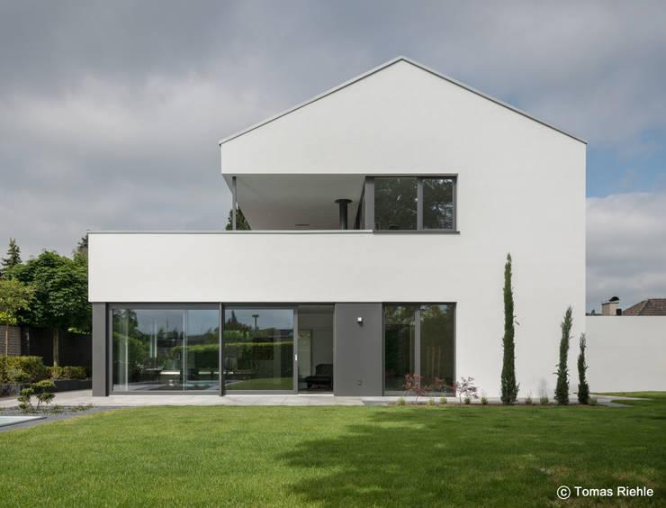Jardin de style  par Schmitz Architekten GmbH