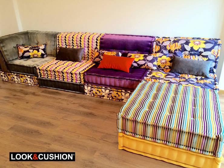"""Sofá modular modelo """"Craft"""" - Arcade - Galicia: Salones de estilo  de LOOK & CUSHION"""