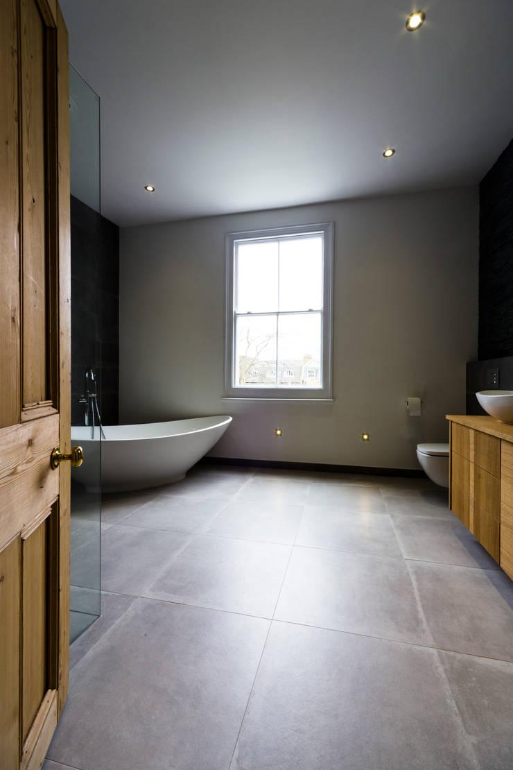 Modern Bathroom Design and Installation: Clapham, London:  Bathroom by Affleck Property Services
