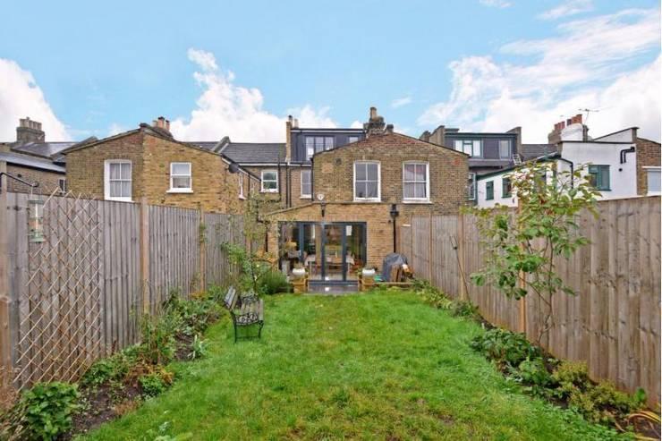 classic Garden by Prestige Build & Management Ltd.