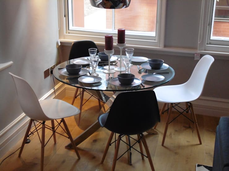 City Centre Apartment, Manchester, UK:  Dining room by Flawless Concepts Ltd