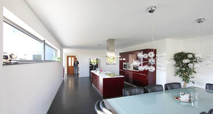 Verbouwing Woonhuis Beek:  Keuken door SeC architecten
