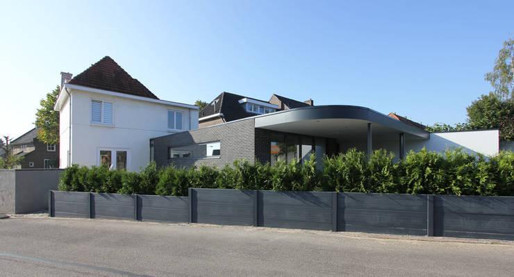 Verbouwing Woonhuis Beek:  Huizen door SeC architecten